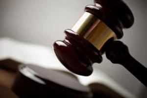 פסק דין במשפט על תאונת פגע וברח